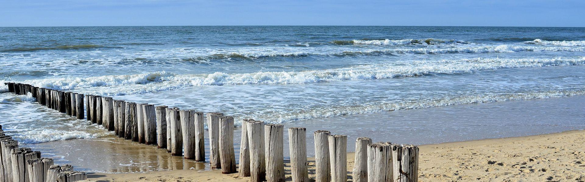 zee strand zeeuws-vlaanderen